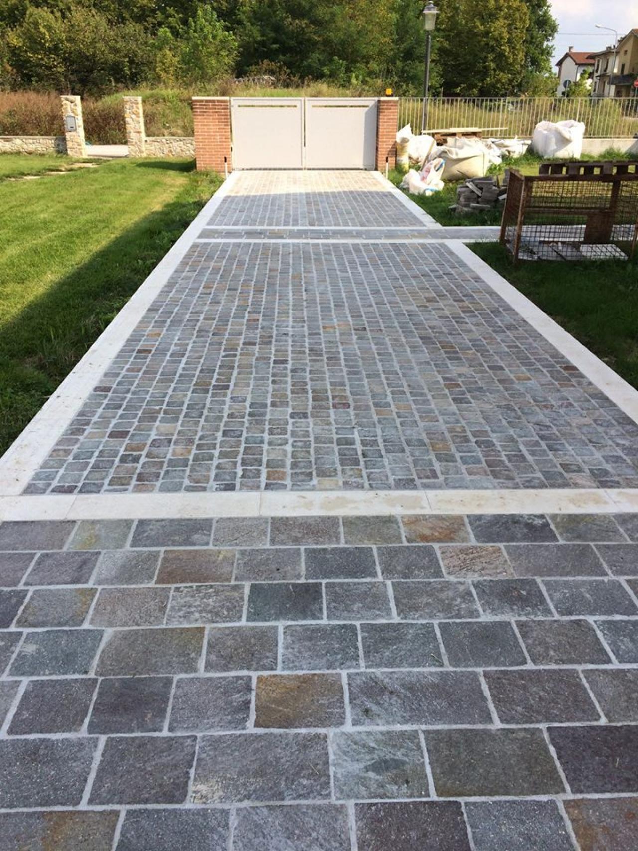 Pavimento esterno in porfido squadrato realizzato a for Opzioni materiale esterno casa