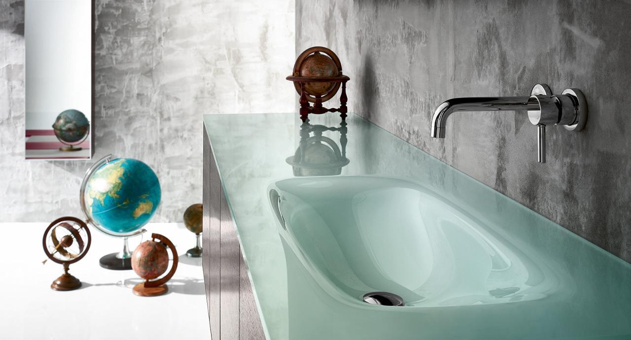 Il vetro nel bagno: mobili, box doccia, accessori. | Fratelli Pellizzari