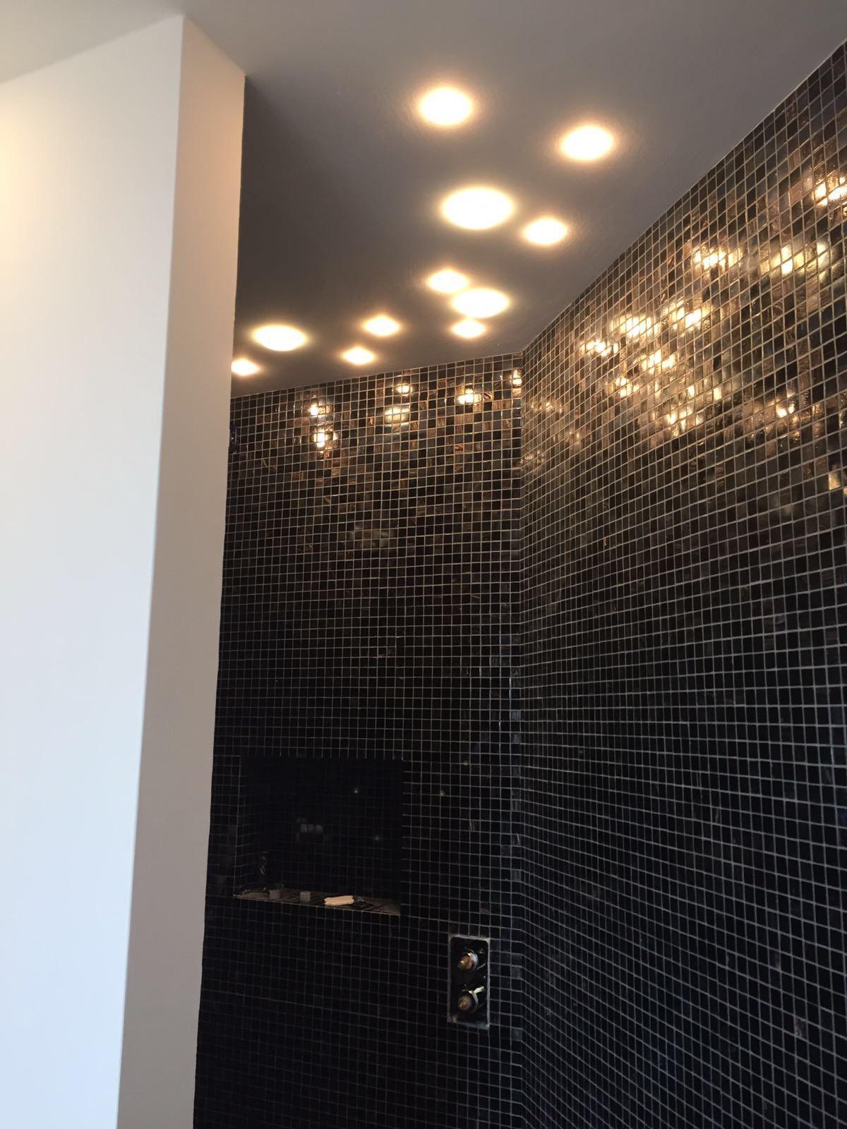 Come si progetta la luce nel bagno fratelli pellizzari - Punti luce per bagno ...