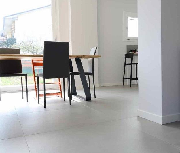 Pavimenti chiari o scuri criteri per la scelta fratelli for Pavimenti per case moderne