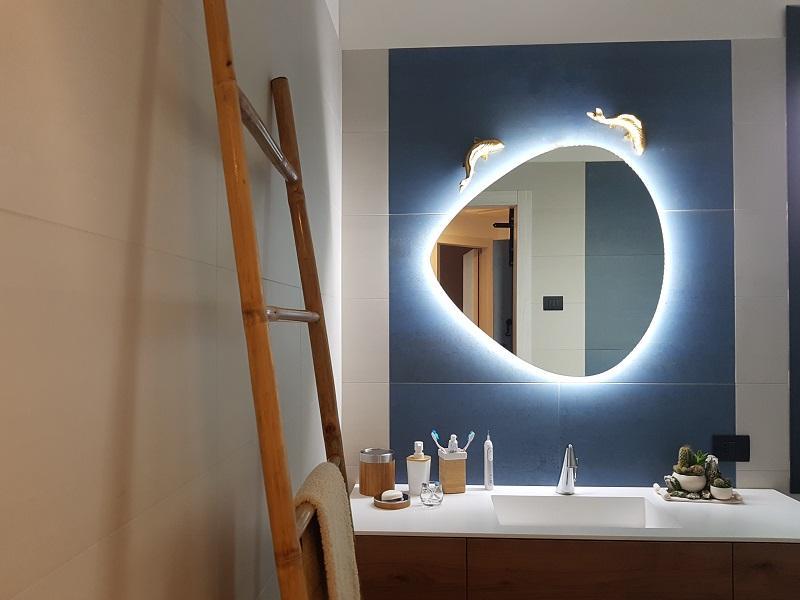 Luci Per Lo Specchio Del Bagno.Specchio Bagno Quale Scegliere Fratelli Pellizzari