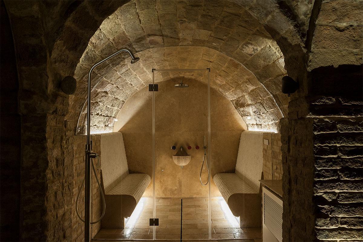 bagno turco in pietra