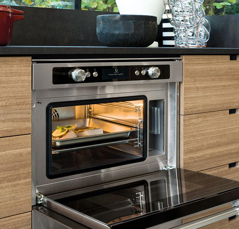 Cucina: disposizione e tipi di elettrodomestici | Fratelli ...