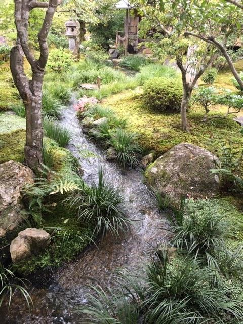 Percorsi e pavimenti nei giardini giapponesi fratelli for Giardini zen immagini