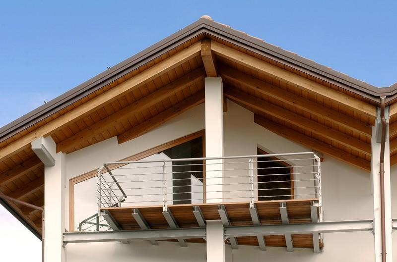 Tetto di casa in legno fratelli pellizzari - Alzare il tetto di casa ...