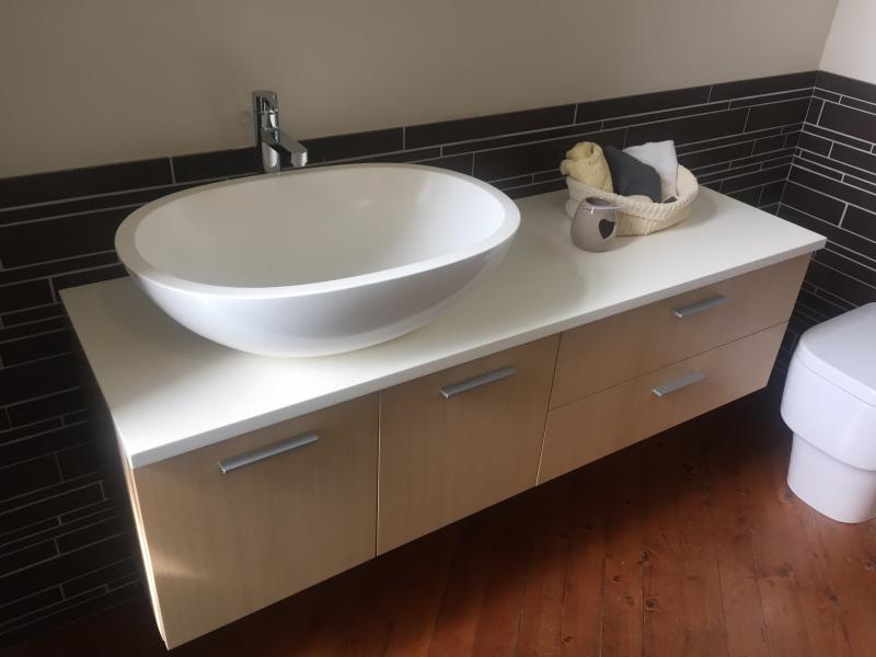 Mobile bagno in rovere da pellizzari a vicenza - Come lucidare una vasca da bagno opaca ...