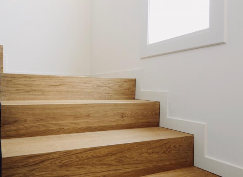 Rivestire la scala in legno a vicenza fratelli pellizzari for Rivestire una scala in legno