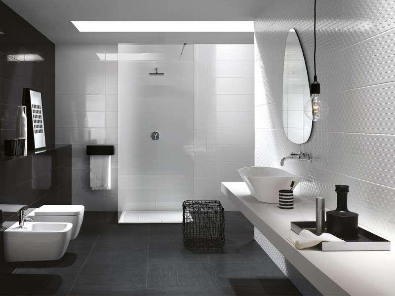 Bagno bianco e nero fratelli pellizzari - Bagno lilla e bianco ...