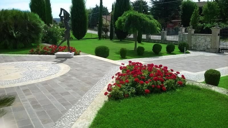Pavimento esterno in porfido a san bonifacio verona - Pavimentazione esterna ...
