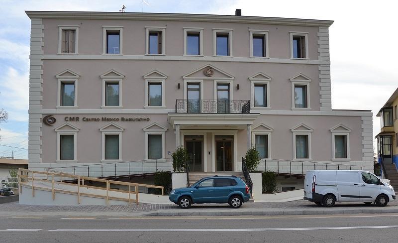 Palazzetto in stile neoclassico a vicenza fratelli - Casa stile neoclassico ...