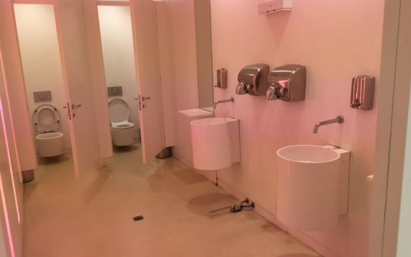 Piastrella per il bagno di un ristorante come scegliere fratelli pellizzari - Bagni chimici vicenza ...