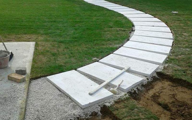Pietra lessinia o prun vialetto in giardino realizzato da f lli