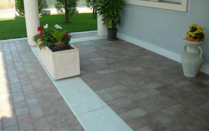 Outdoor flooring chateaux