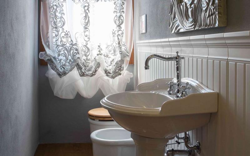 Boiserie Bagno Ceramica : Boiserie in ceramica nel bagno moderno fratelli pellizzari