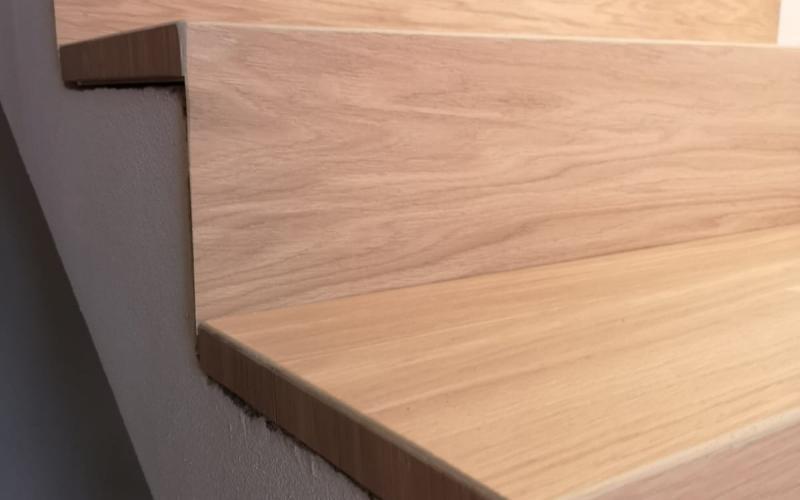 Scala in piastrelle gres effetto legno fratelli pellizzari