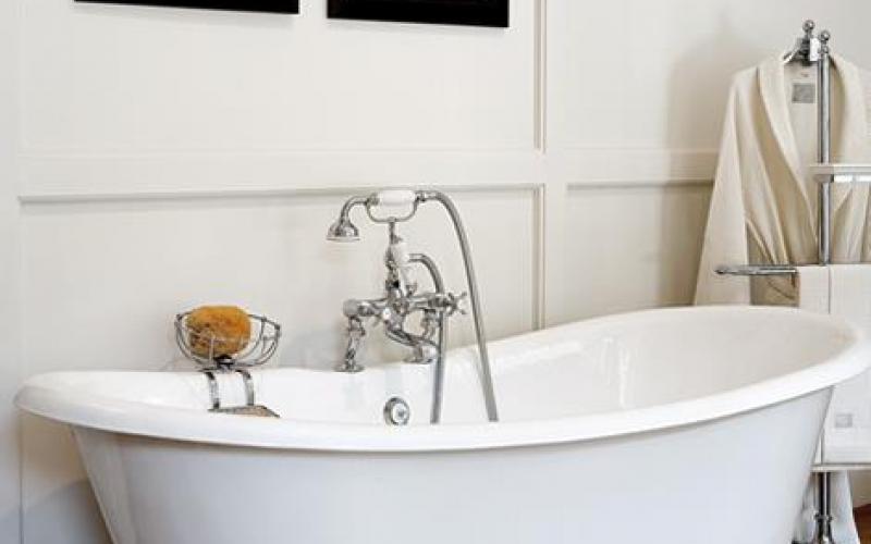 Vasca Da Bagno In Stile Inglese : La vasca da bagno a vicenza fratelli pellizzari