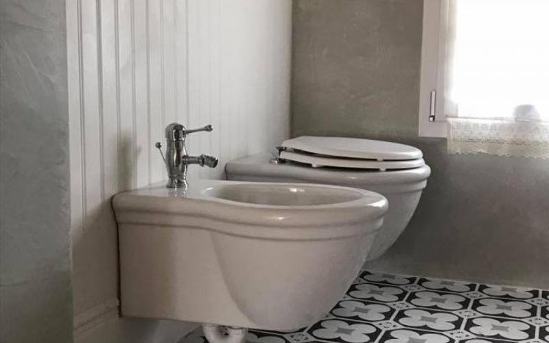 Boiserie Bagno Ceramica : Boiserie in ceramica e cementine bagno classico a vicenza