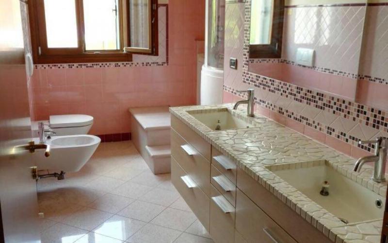Vasca Da Bagno Indipendente Piccola : Rivestire il bagno con la resina: trasformarlo senza demolirlo