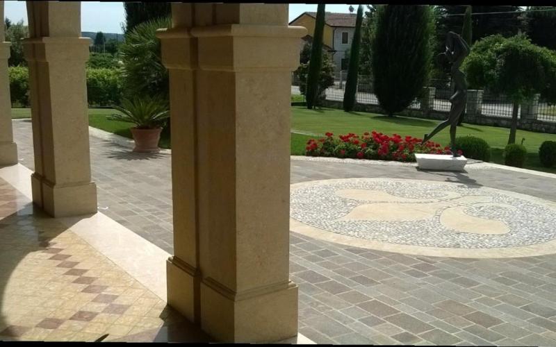 Pavimento esterno in porfido a san bonifacio verona - Pavimento in ciottoli esterno ...