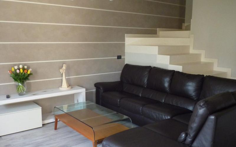 Pavimenti Effetto Legno Tortora : Gres effetto legno moderno posa in una casa a vicenza fratelli