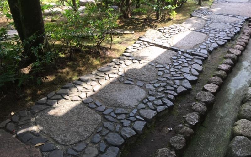 Percorsi e pavimenti nei giardini giapponesi fratelli pellizzari