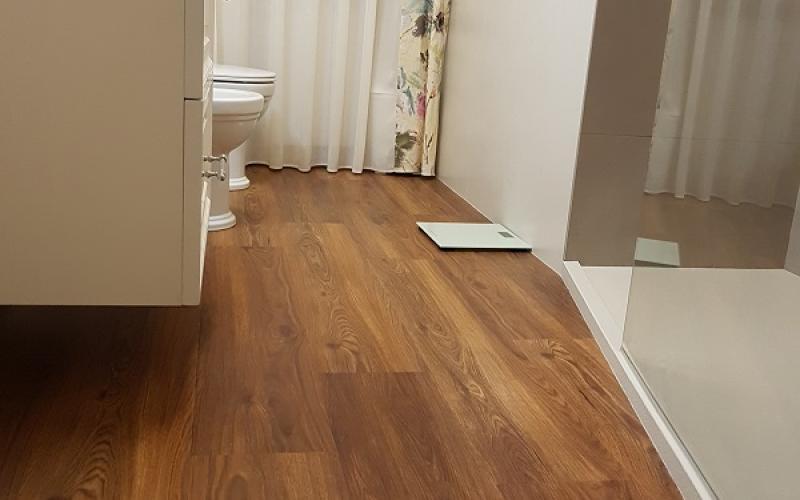 Piastrelle parquet grigio pavimenti chiari o scuri criteri per