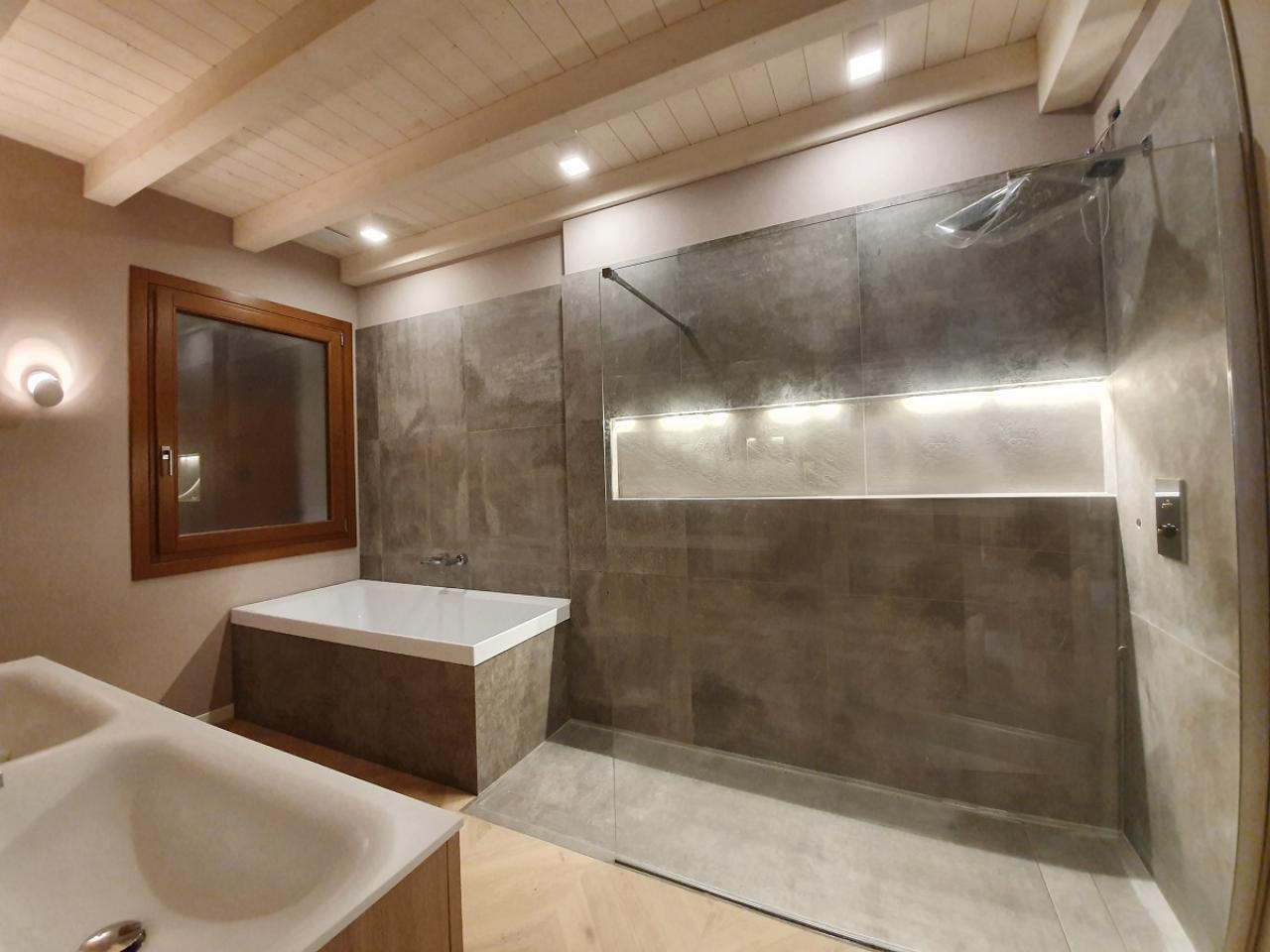 Arredo Bagno Con Parquet.Bagni Moderni E Pavimenti In Parquet A Lonigo Fratelli Pellizzari Vicenza Fratelli Pellizzari