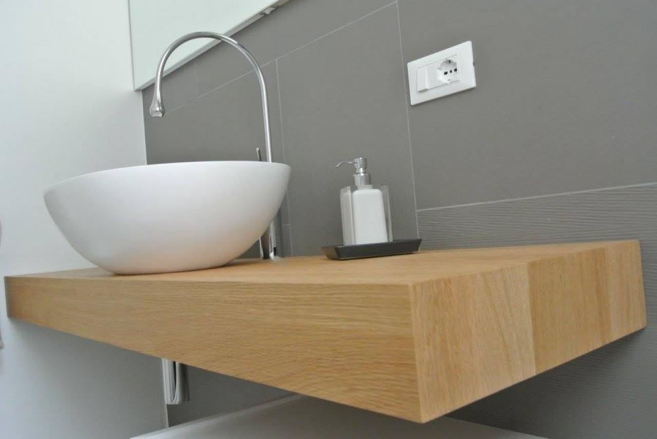 Il mobile per il bagno fratelli pellizzari for Armadi per il bagno