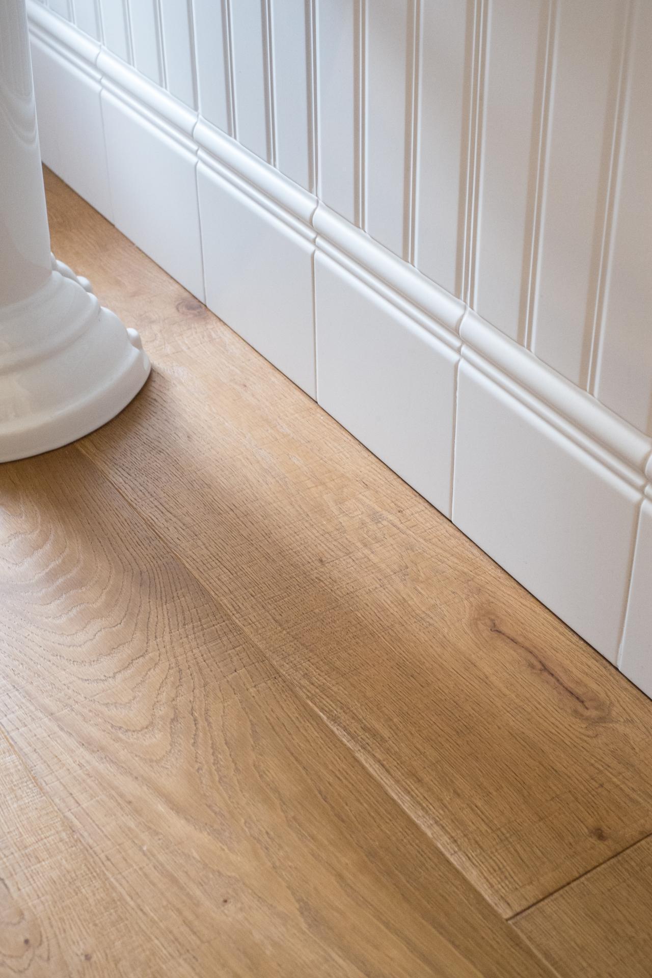 Bagno chiavi in mano sanitari e arredo bagno a vicenza e verona fratelli pellizzari - Bagno pavimento legno ...