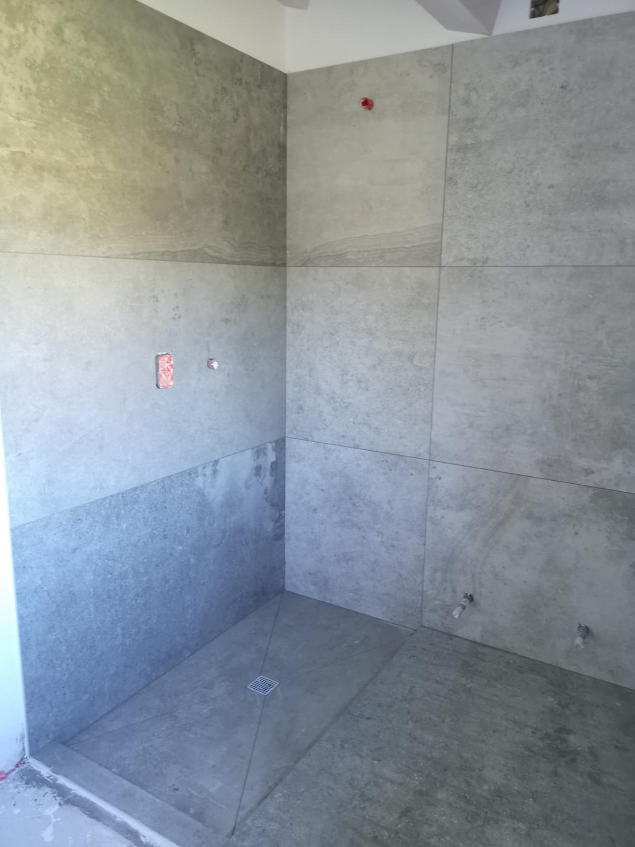 Piatto doccia in piastrelle come realizzarlo fratelli pellizzari - Impermeabilizzare fughe piastrelle doccia ...