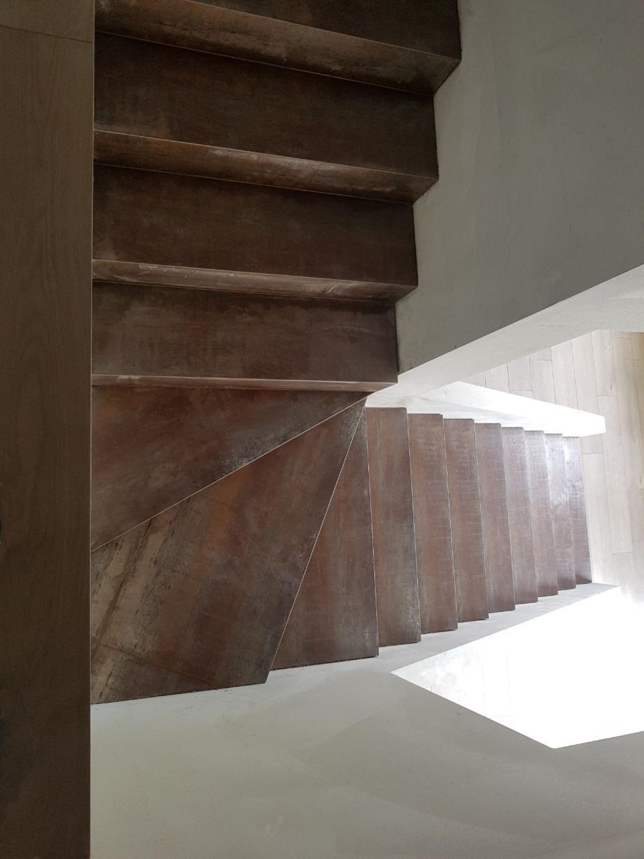 Scale in marmo legno ceramica a vicenza e verona for Gres porcellanato per scale interne