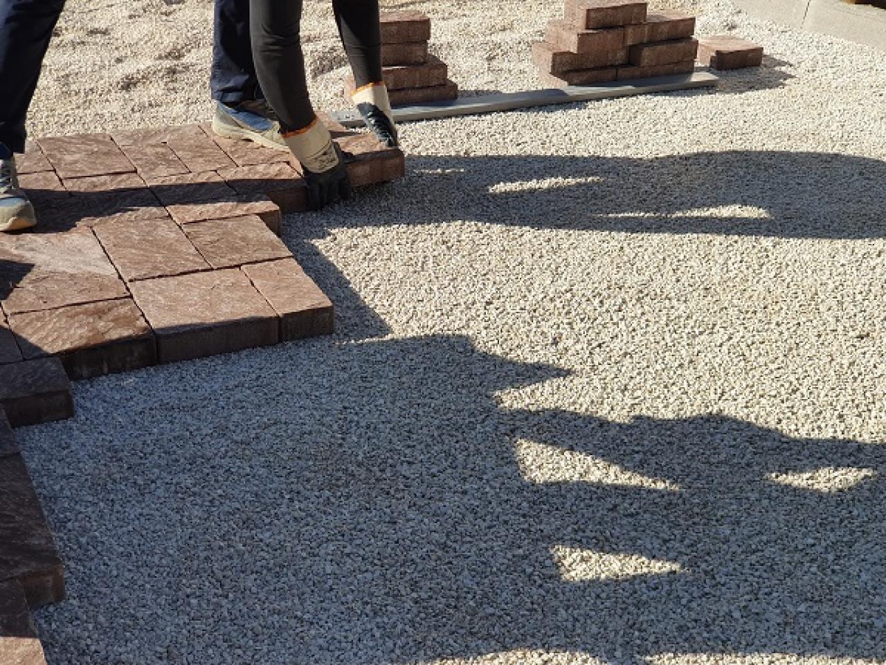Posa Pavimento A Secco Giardino posa degli autobloccanti | fratelli pellizzari