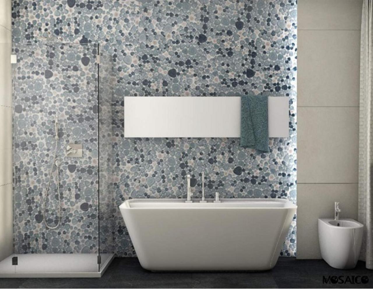 Lavandino del bagno moderno vetro blu isolato su sfondo grigio