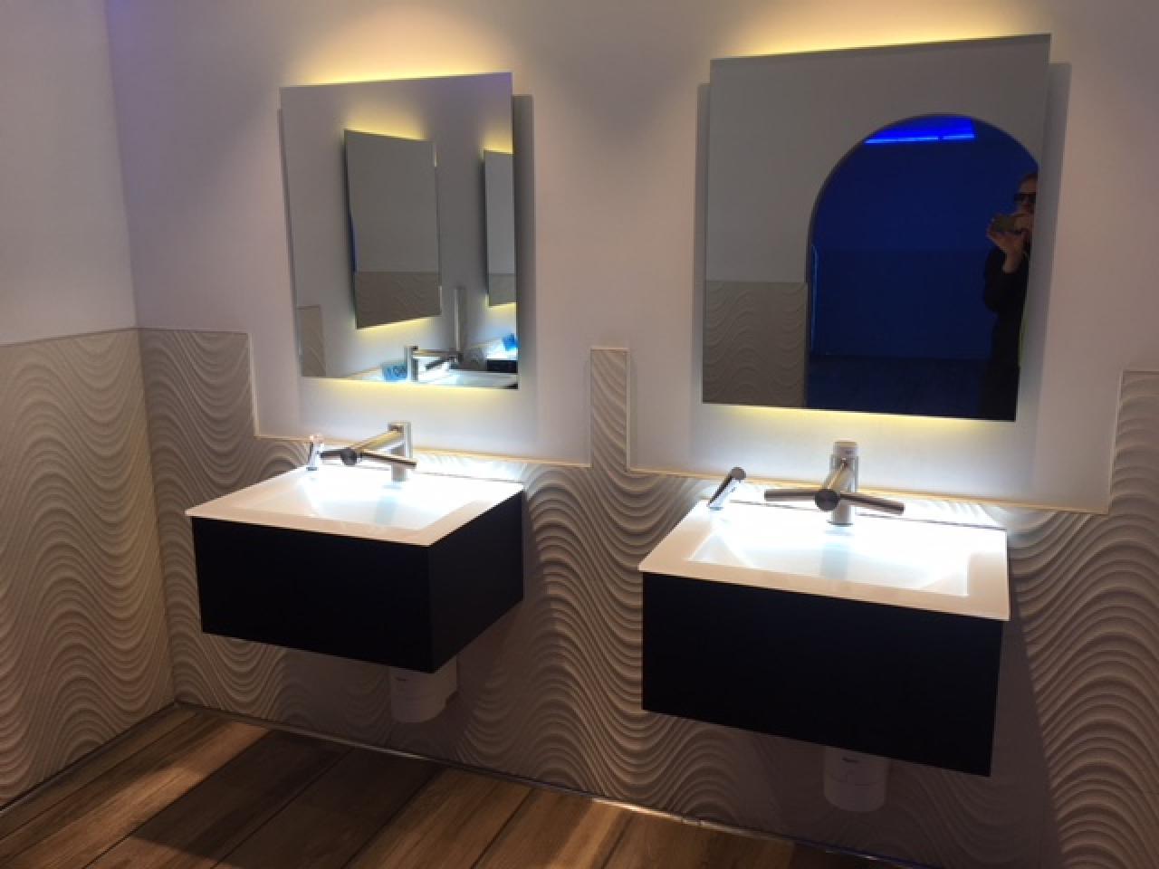 Piastrella per il bagno di un ristorante: come scegliere? fratelli