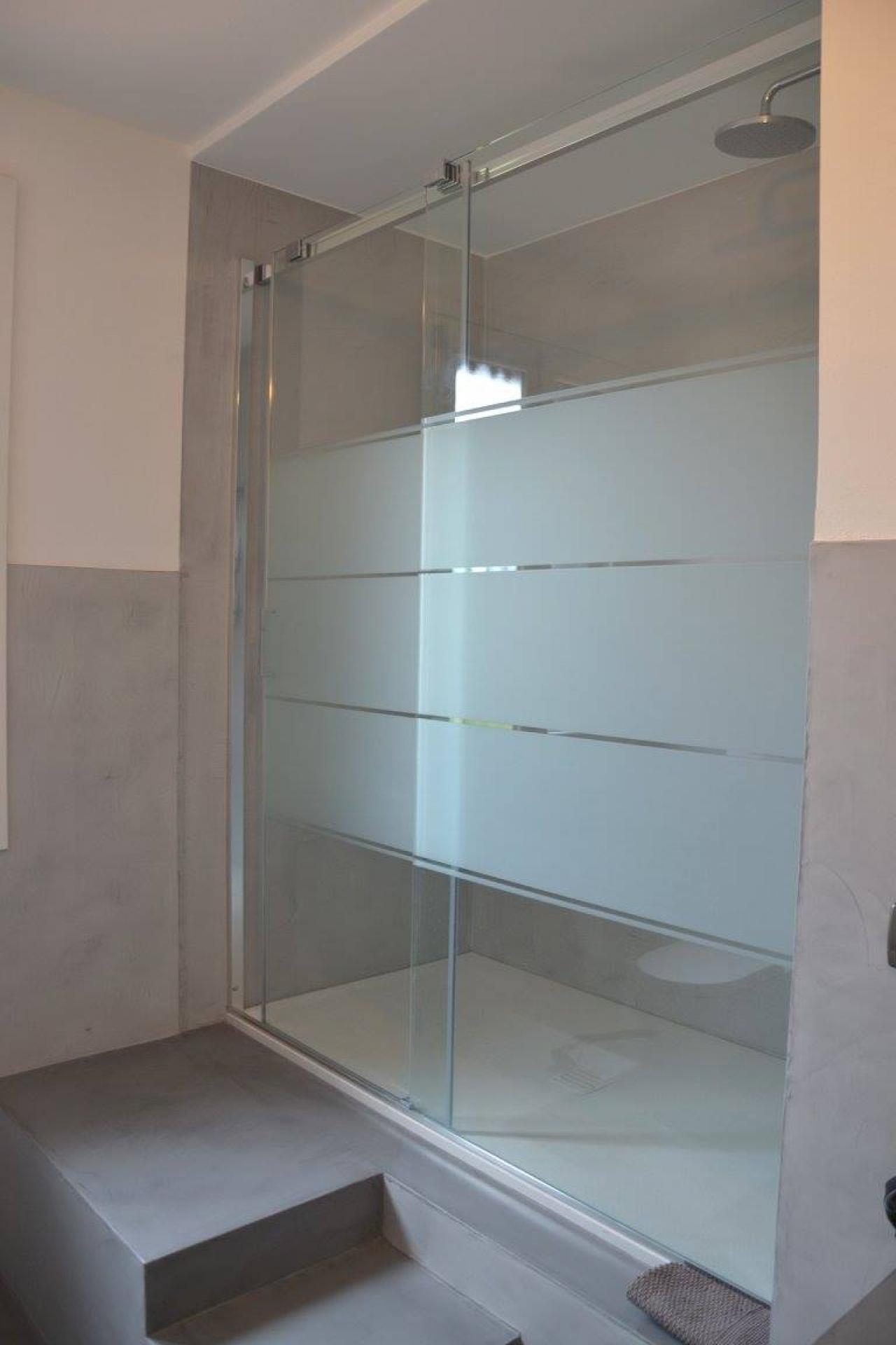 Rimodernare bagno rimodernare bagno latest coprire le - Rinnovare la vasca da bagno ...