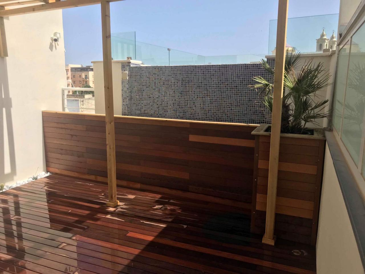 Posa Parquet Orizzontale O Verticale decking per esterni: prezzi, caratteristiche ed alternative