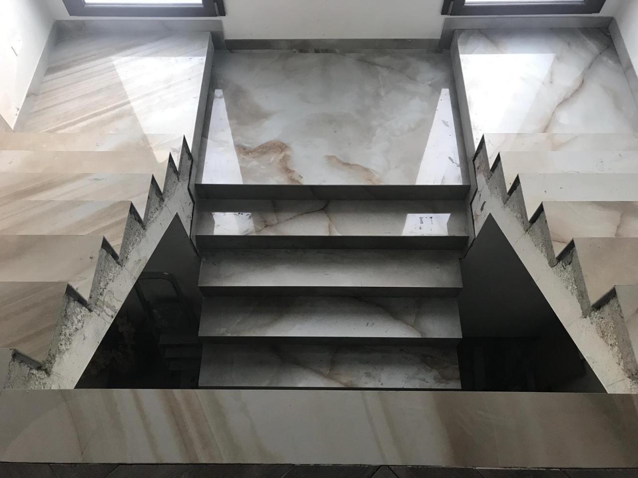 Scala In Marmo Nero scala interna di casa: legno, marmo, gres, pietra