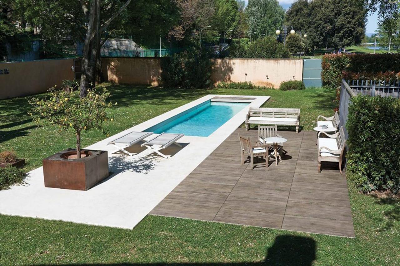 Pavimenti in legno per esterno a vicenza e a verona - Pavimenti bordo piscina in legno ...