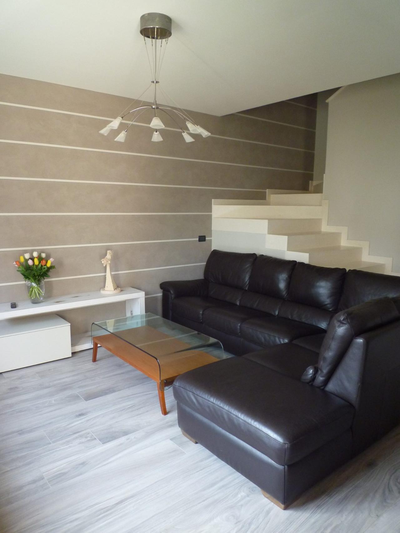 Gres effetto legno moderno - posa in una casa a Vicenza ...