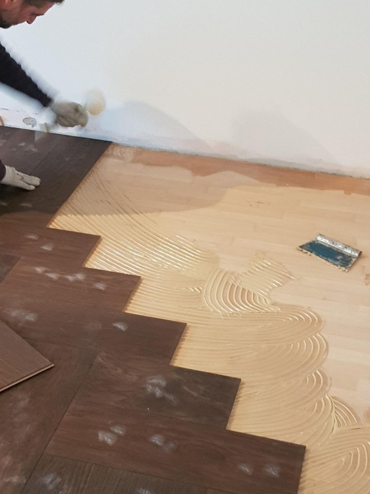 Pavimento Incollato Sul Vecchio pavimenti in legno e gres per una casa moderna a vicenza