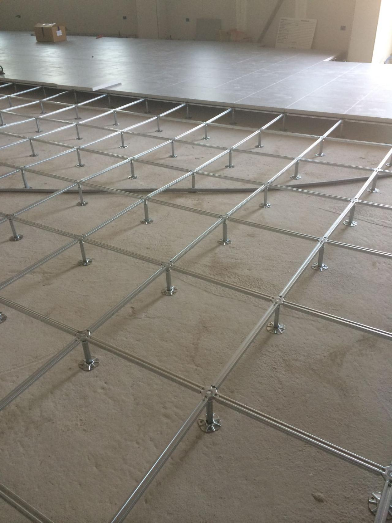 Isolamento umidit pavimento piano terra il della for Software di piano di pavimento del garage