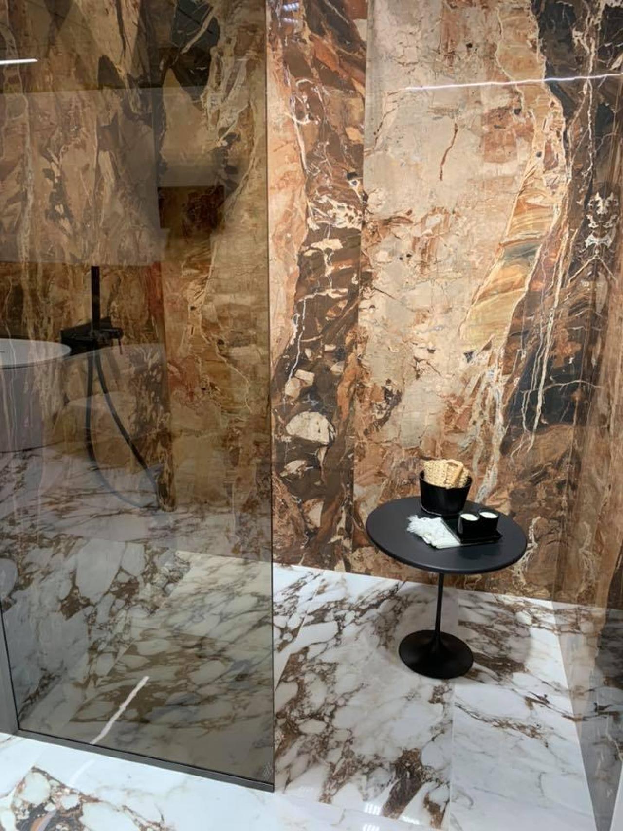 Pavimenti In Ardesia Pro E Contro rivestimento doccia? grandi lastre in grès! | fratelli