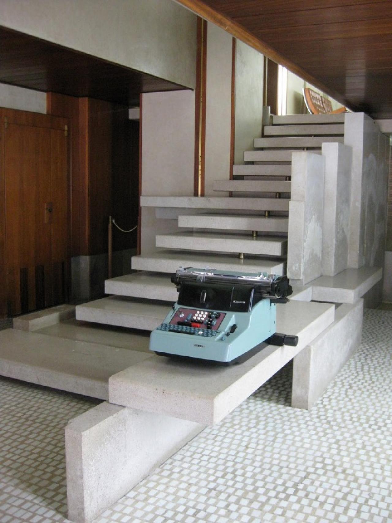 ONLY ORIGINAL BRANDS. SantAgostino Set Concrete White 90x90 cm CSASCWHI90.