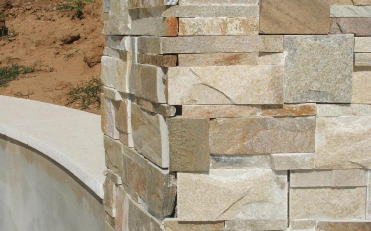 Pietra Verde Rivestimento : Piscina: pavimenti e rivestimenti. realizzazione a lonigo vicenza
