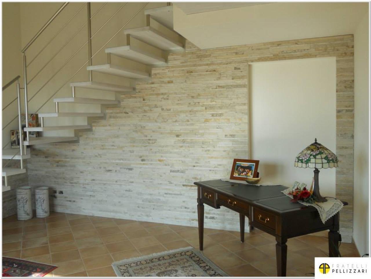 Rivestimenti in pietra interni ed esterni realizzati a vicenza e verona fratelli pellizzari for Rivestimento parete interna