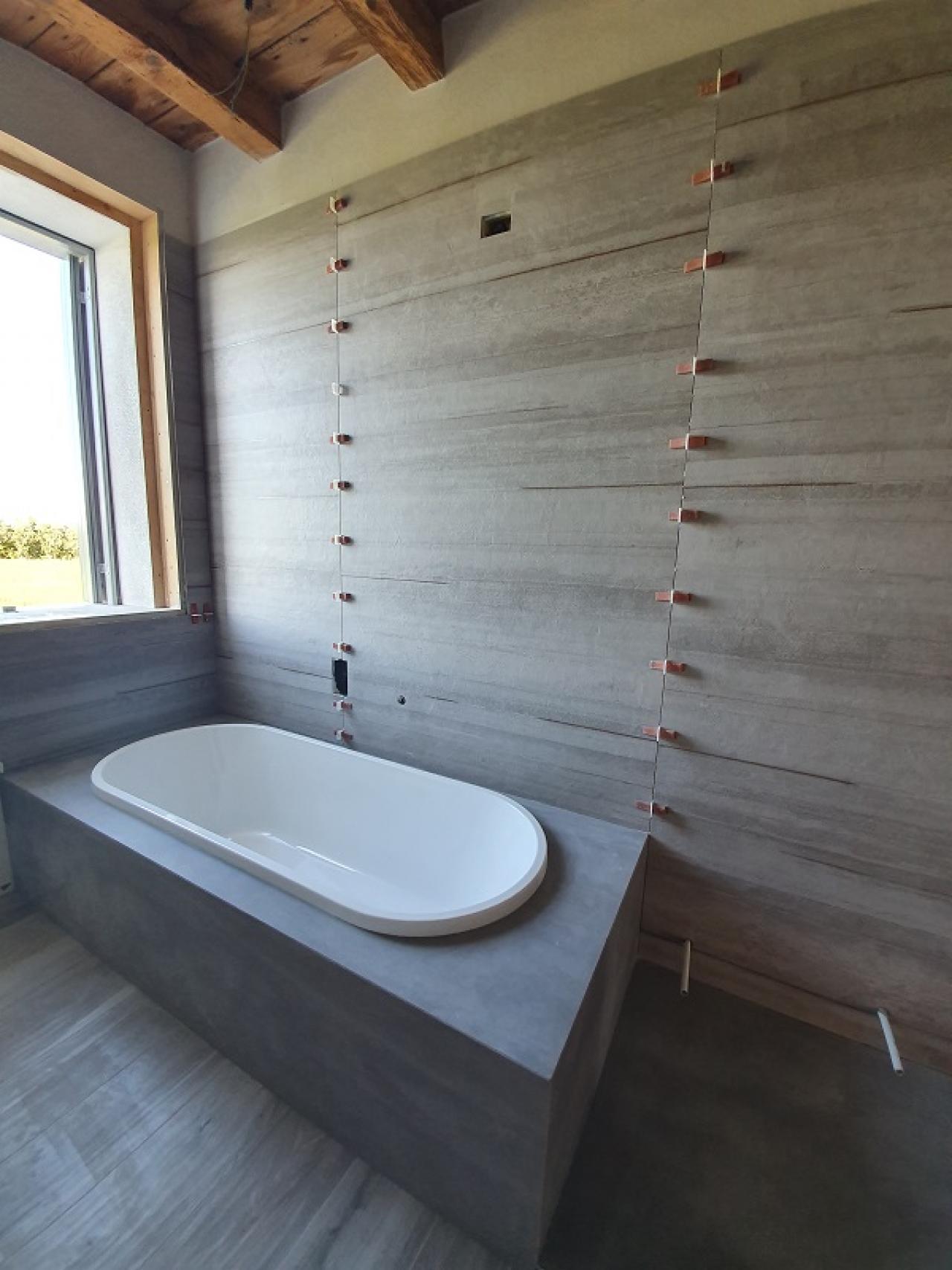 Ricoprire Vasca Da Bagno Prezzi rivestire la vasca con piastrelle di grande formato