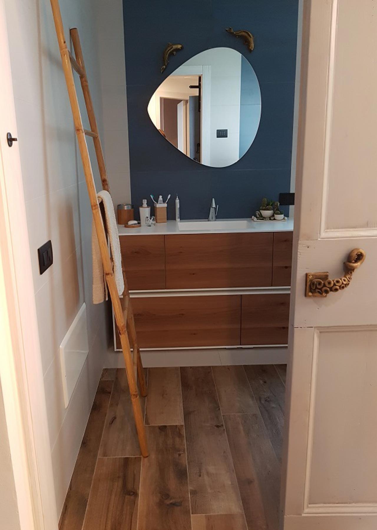 Lampada Sopra Specchio Bagno specchio bagno: quale scegliere? | fratelli pellizzari