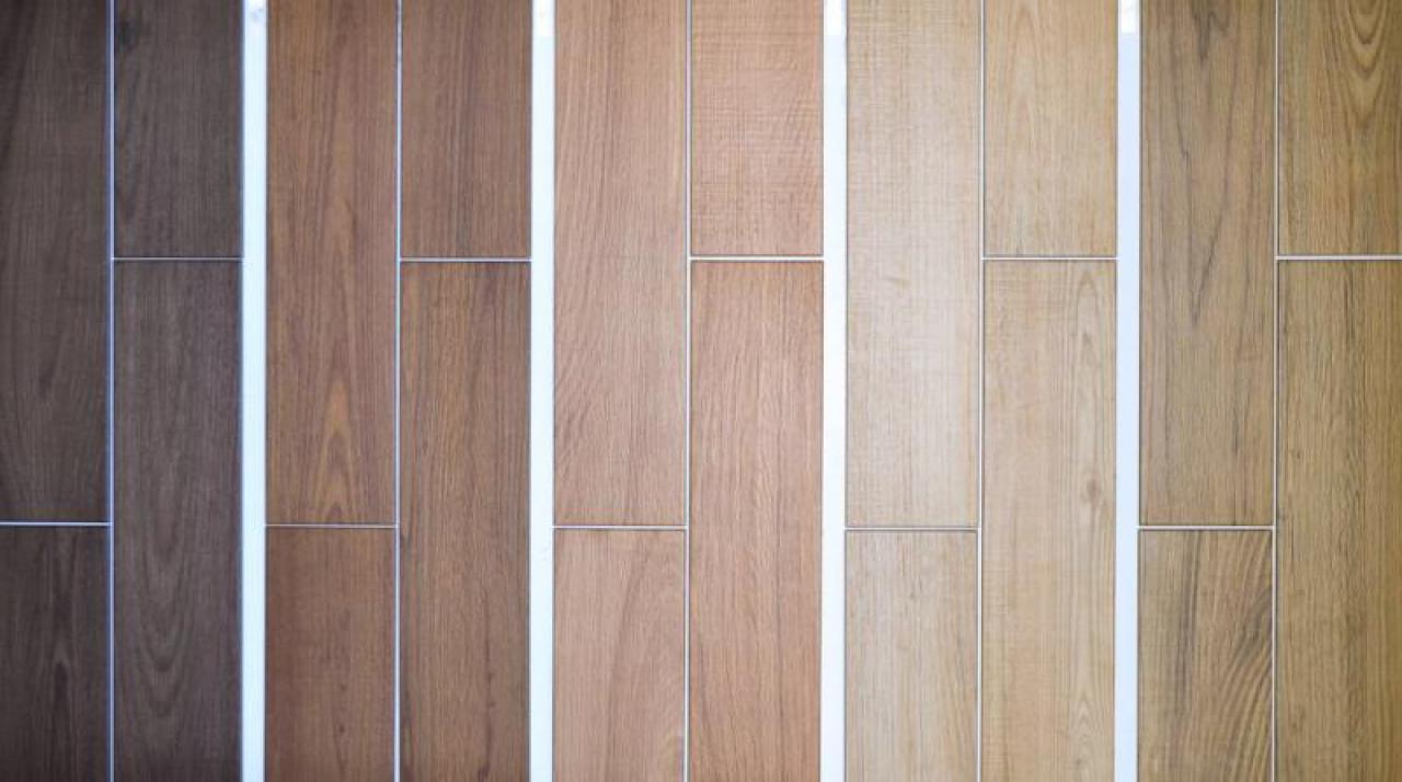 Gres effetto legno tutte le tipologie nel negozio di piastrelle