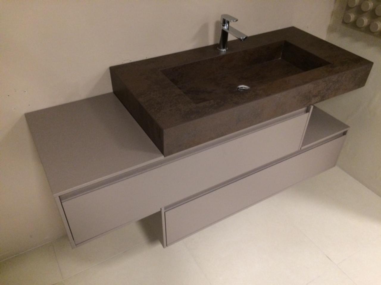 Mobile bagno moderno sospeso piano laminam prezzo outlet vicenza