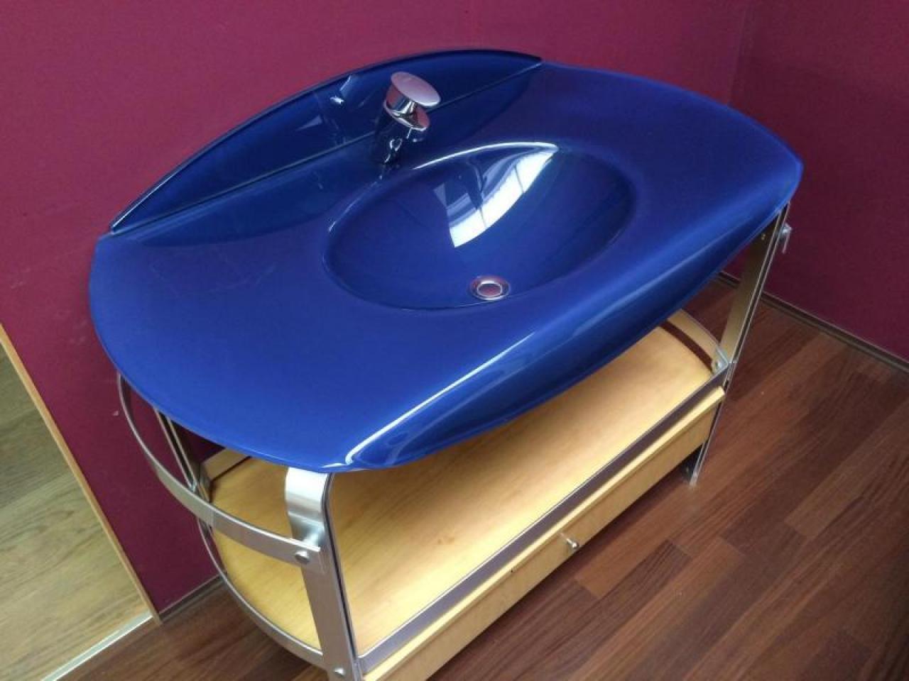 Mobile bagno top in cristallo blu prezzo outlet vicenza for Mobile bagno blu